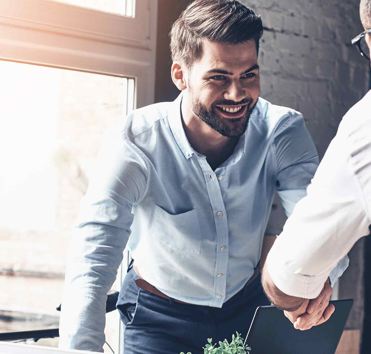 Mitarbeiter durch Social-Media gewinnen! – 4 Möglichkeiten für KMUs